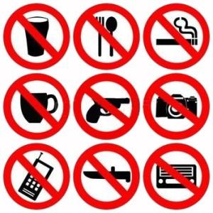 4670223-ne-signe-pas-interdit-de-boire-et-de-fumer-armes-illustration